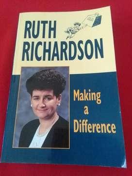 Making a Different . Ruth Richardson . Libro economia en idioma ingles