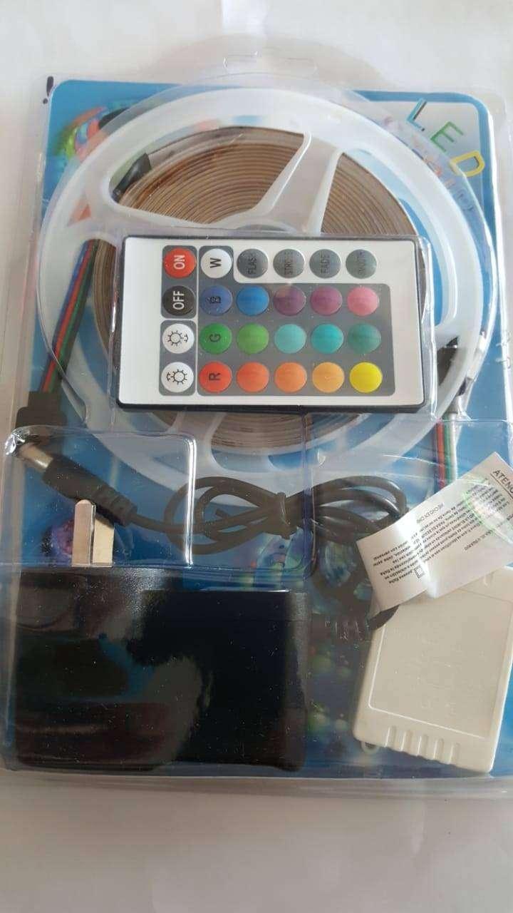 KIT LED TIRA RGB 5050 5M  MULTICOLOR INCLUYE: FUENTE, CONTROLADORA, CONTROL REMOTO, LISTO PARA CONECTAR 0