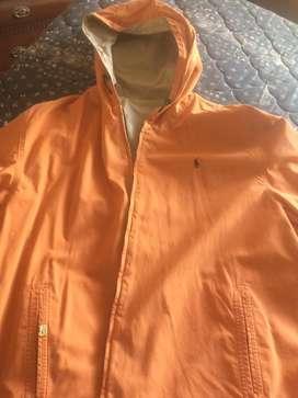 Dos jackets en una Marca POLO