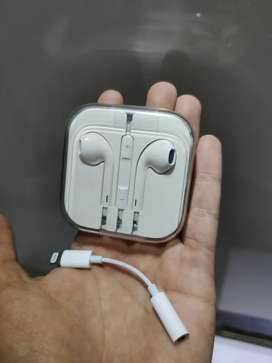 Auriculares i phone originales con adaptador. Jamás usados