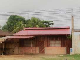 Terreno Urbano con casa seminoble