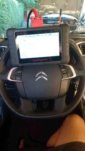 Mecanica,inyección electronica con scaner para su borrado lectura etc y se carga gas de a/c del automotor