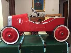 Auto clásico antiguo a pedal Tinplay Karting