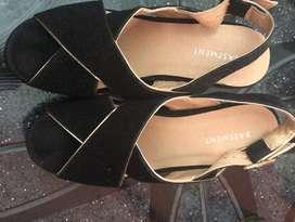 Sandalias Negras Nuevas Marca Basement