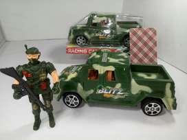 Soldado de Juguete con Camioneta Militar