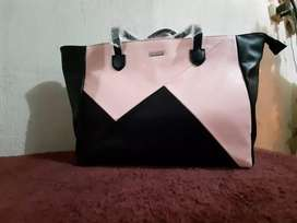 Cartera Nueva Original de *Mary Kay*