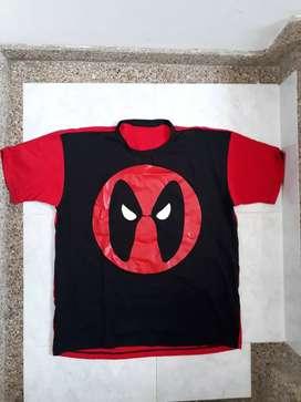 Camiseta super héroes cómics