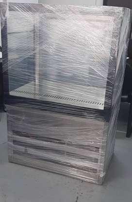 OFERTA: Vitrina exhibidora NUEVA con refrigeración