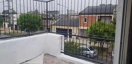 alquilo departamento  2 dormitorios Planta Alta por escalera