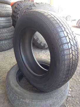 Neumático 205/65 r15 usado