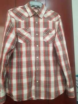 Vendo camisa mossimo