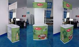 Mesa stand promocional tipo counter con letrero, palstico PVC reforzado 80cm x 2m alto