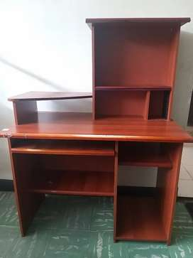 Se vende escritorio