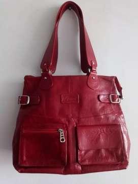 Bolso Rojo marca Perinni 100% cuero