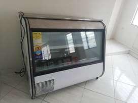Vitrina refrigeradora.Marca Industrial. Mo. IVD-130Modelo IVD-130 excelente estado