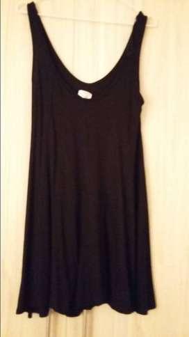 Vestido  pantalón negro corto marca Zara