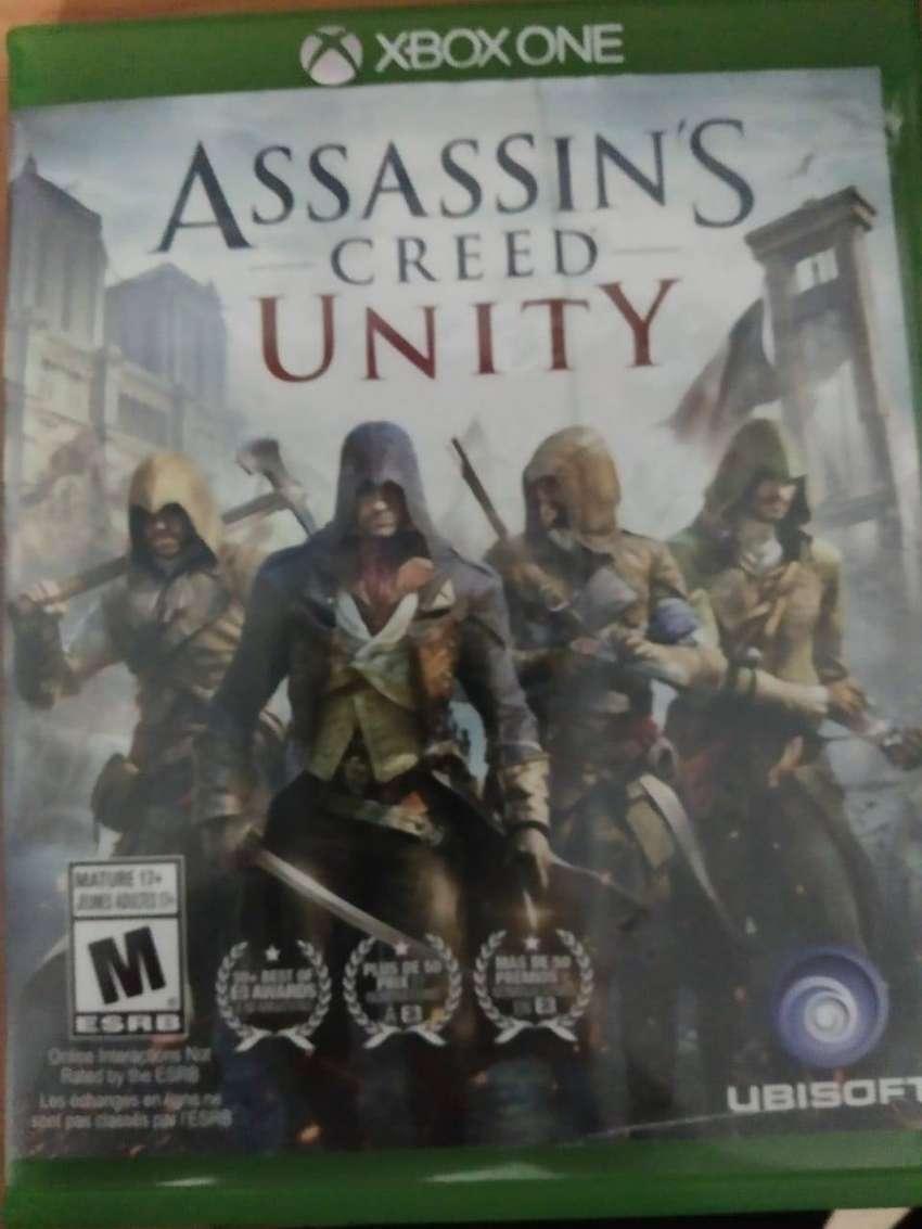 Vendo Cambio Assasins Creed Unity para Xbox One en perfecto Estado 0
