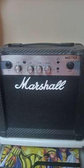 Amplificador Marshall MG10CF