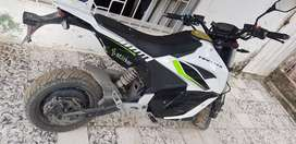 Moto electrica troter .