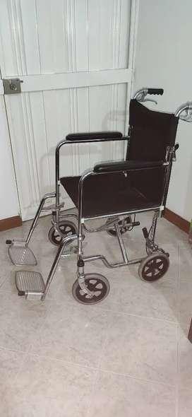 Silla de ruedas usada en muy buen estado.