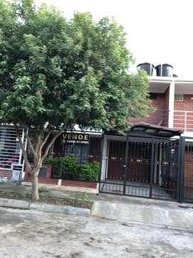 Casa de Dos Pisos en Barrio Valparaiso