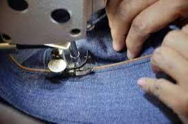 Se busca chicas para maquilar  jeans