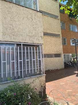 Se arrienda apartamento edicio La independencia barrio Quirinal, incluye administración.
