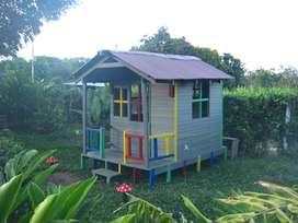 casa de juegos en madera plástica