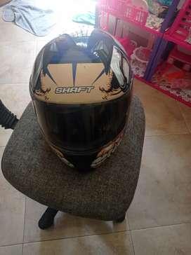 Se vende casco marca shaft en perfecto estado