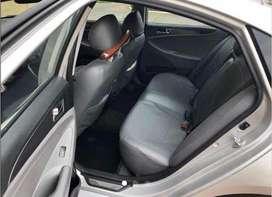 Vehículo en perfecto estado, todos los mantenimientos en la casa Hyundai. Accesorios cambiados (batería, neumáticos).