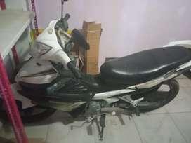 Vendo moto semiautomatica