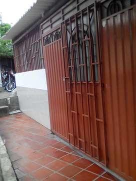 Casa 3 habitaciones 2 baños patio