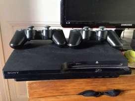 Play station 3 con 2 mandos mas juegos
