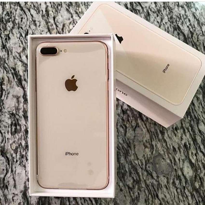 iPhone 8 Plus 0