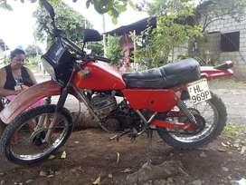 Suzuki Dt 250