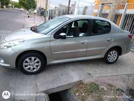 Peugeot 207 Compact XS 1.4 HDI Sedan