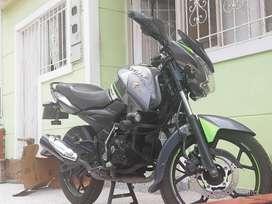 Se vende moto Discover 150