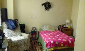 Alquilo amplia habitación con baño privado a Sra. ó Srta. en Surco, incluye servicios