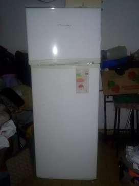 Heladera  electrolux con freezer  funcionado