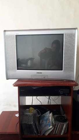 Se vende  tv  sony  convencional  pantalla plana  de21