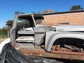 Vendo camion ford 600 para repuestos motor perki  6