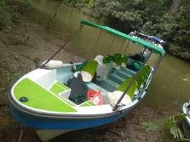 Lancha, bote con motor yamaha 100