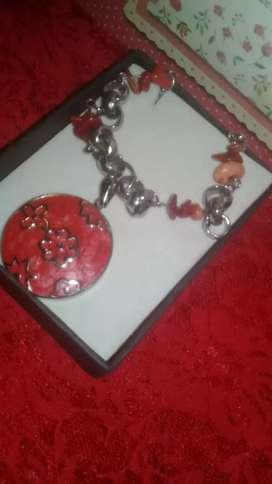 Cadena con piedra gaspe rojo