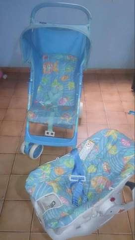 Coche color azul, con silla
