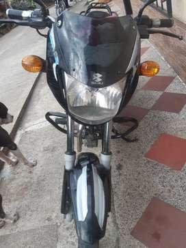 Se vende moto bóxer con papeles hasta octubre