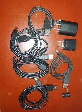 Se vende cables, 2 marranitas y adaptador de audifonos