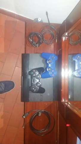 PS3 SuperSlim con 43 juegos digitales