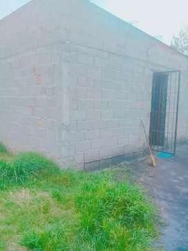 Vendo terreno con casa de 10 de frente por 40 de largo tiene una pieza de 5x4 un baño
