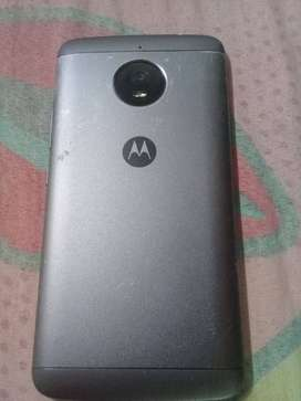 Moto e 4  plus en buen estado
