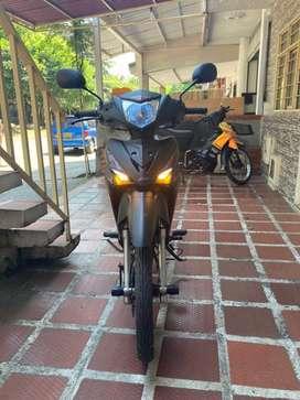 Vendo moto akt casi nueva 2022